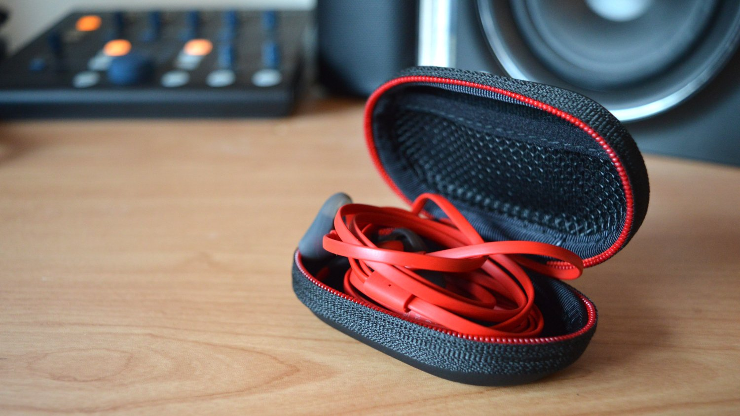 HyperX Cloud Earbuds In Case