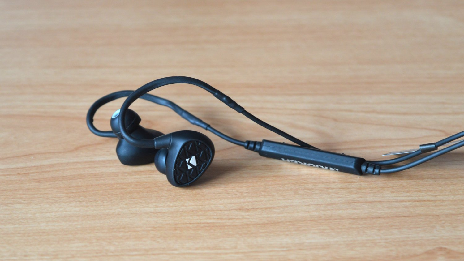 a0f75e914ad Kicker EB400 In-Ear Wireless Headphones Review - Headphone Review